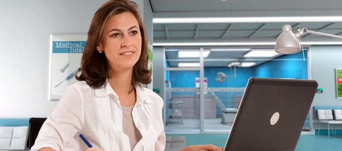 IAŞI:. Verificarea statusului profesional al asistenţilor medicali/moaşelor, în ajutorul angajatorilor