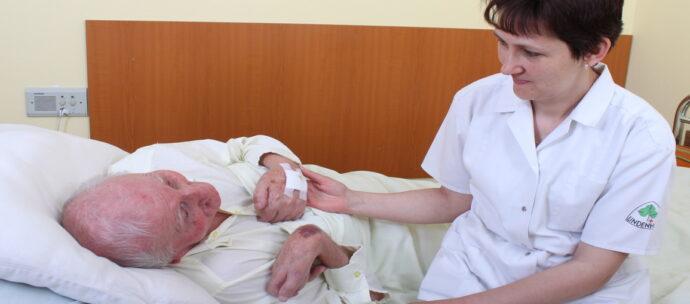 OAMGMAMR: Pregătirea infirmierelor, abrogată